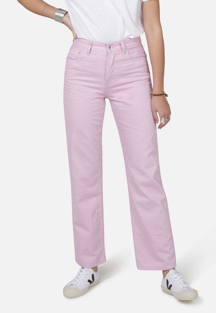 LIBBY // Organic Straight Leg Slim Fit Jeans in Pink Denim