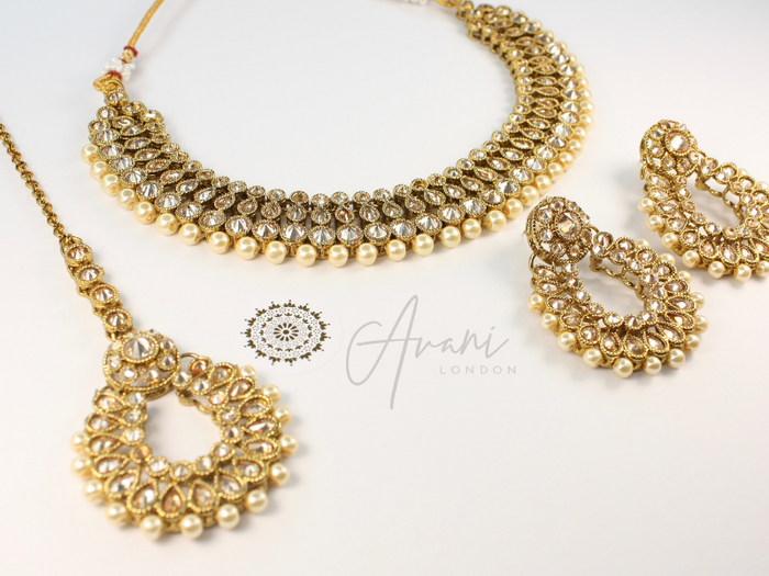 Sandhya Necklace Set
