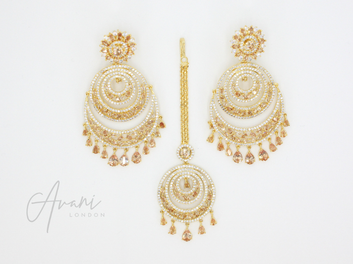 Rhea Signature 'Diamond Cut' Gold Earring and Tikka Set | Avani London | Inspirational Indian Jewellery