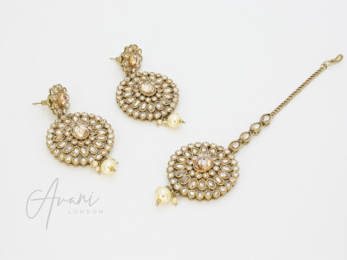 Siya Earring and Tikka Set - Pearl | Avani London | Inspirational Indian Jewellery