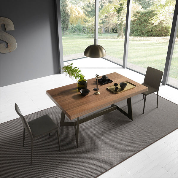 Piazza ~ expanding dining table