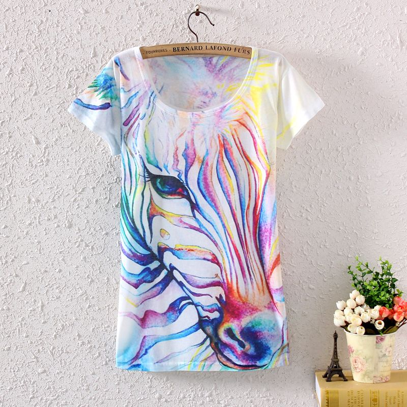 Eye-catching Women's Vintage Rainbow Horse/Zebra Graphic Printed T-Shirt