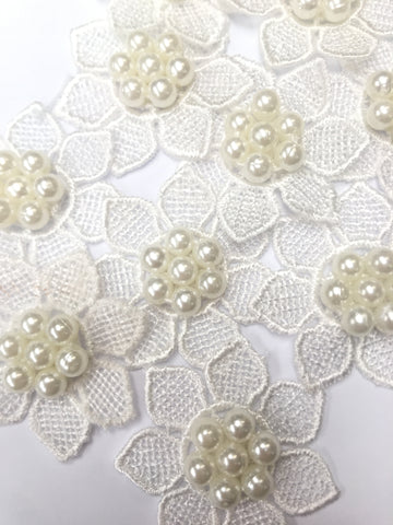 10 x Lace Pearl Flower Fabric Sew On Stick On Motifs Applique 3D