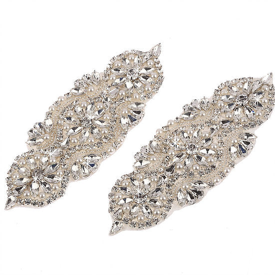 2 x Crystal Beaded Applique Motif (DM20)