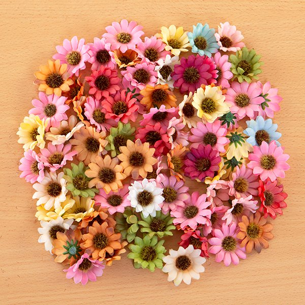 100 Assorted 4cm Fabric Enchanted Daisies