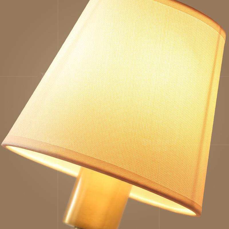 Lop Wall Lamp Brass Finish Details