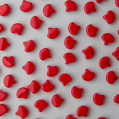 Ginkgo Bead 7.5 x 7.5 mm Opaque Red x 10 g