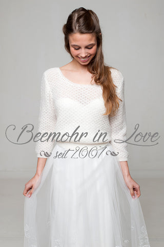 Bridal sweater in an off white: ivory