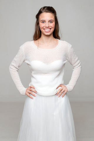 Bridal sweater knitted from cashmere CLOE for your bridal skirt by Beemohr