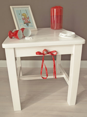 Table and stool at the same time