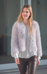 Cozy jacket that you can knit yourself with simple wool
