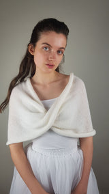 Shoulder warmer knitted from soft merino ivory