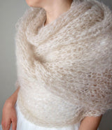 Bride stole in coarse mesh knitted powder