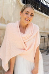 DIY wedding bridal stole from cuddly wool knit with instructions