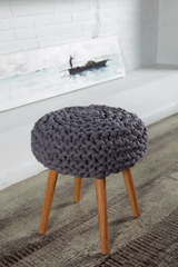 DIY knitting instructions from Katia for free stool cover