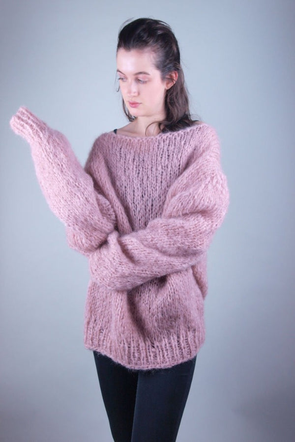 Oversize long mohair pullover stay at home