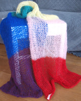 Pride Fashion knitted a stole in the rainbow colors