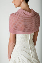 Knit your own bridal stole with this knitting set: wool and knitting instructions, dusky pink