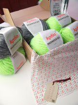Knitted box with wool by Katia Ingenious Big for a scarf
