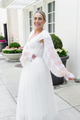 Ankle-length tulle skirt in ivory for the bride with a knitted bolero