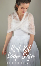 Knitting box: knitting instructions, wool and knitting needles for a loop