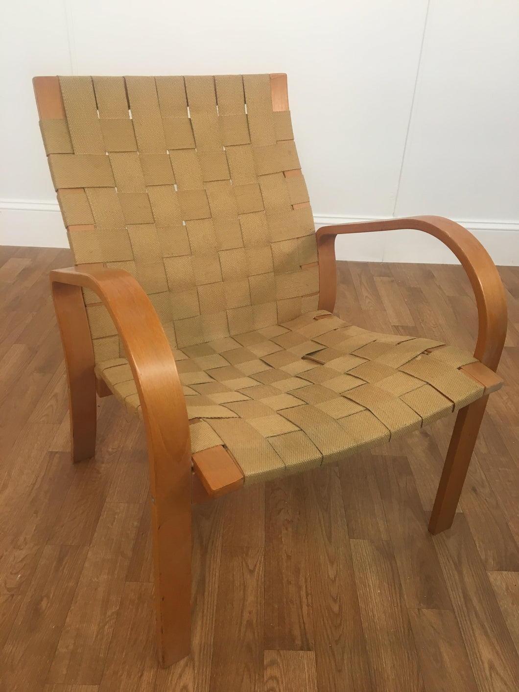 WOVEN WOOD STRAP CHAIR