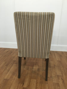 BEIGE WHITE AND BLUE ARMLESS DINING CHAIR