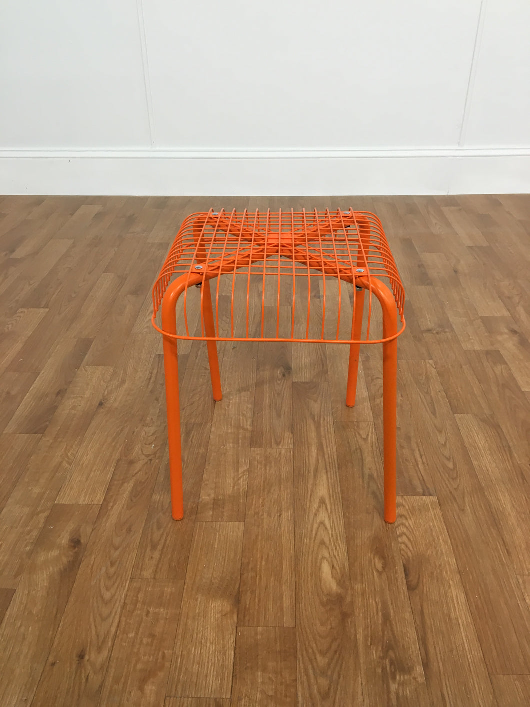 ORGANGE METAL STOOL