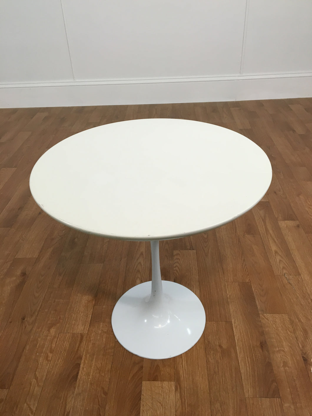 LOW WHITE PLASTIC PARLOR TABLE