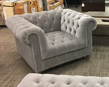 CAMBRIDGE CHESTERFIELD STYLE CHAIR