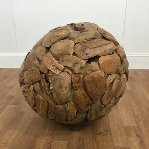 DECORATIVE OVERLAPPING WOOD BALL