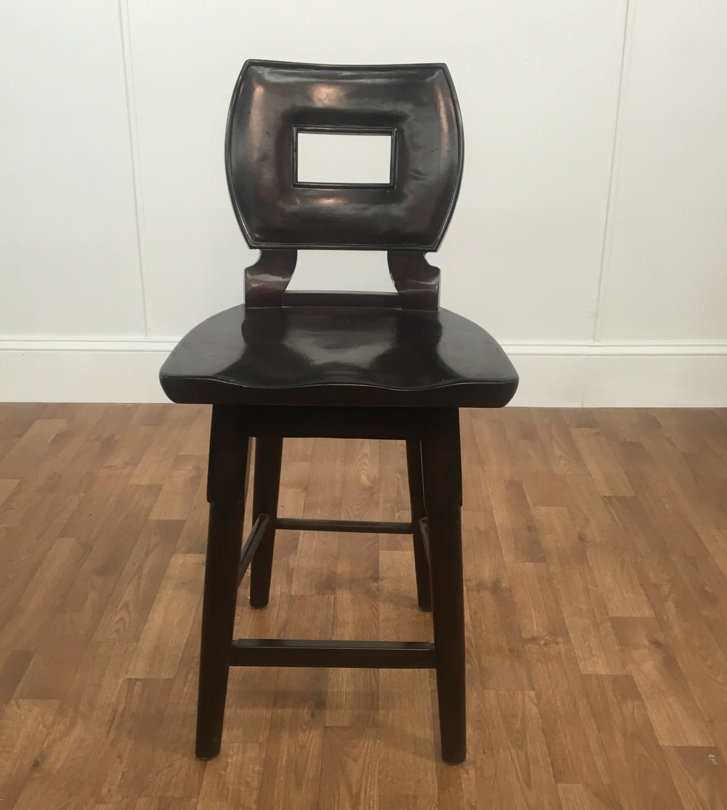 BLACK WOOD SWIVELING CAPTAINS CHAIR