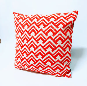 Clashy Red and Black Vibrant Cushions - Comme Glom