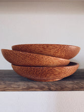 COCONUT WOODEN PLATE