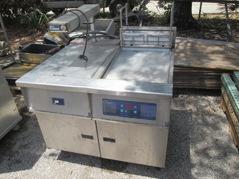 Pitco Fryer FE18S Two Basket Deep Fryer w/ Dump Station & Heat Lamp Warmer - Business Equipment World