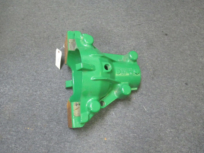 John Deere Retainer Housing Case R556132 R556133 R556134 R556135 Tractor - Business Equipment World