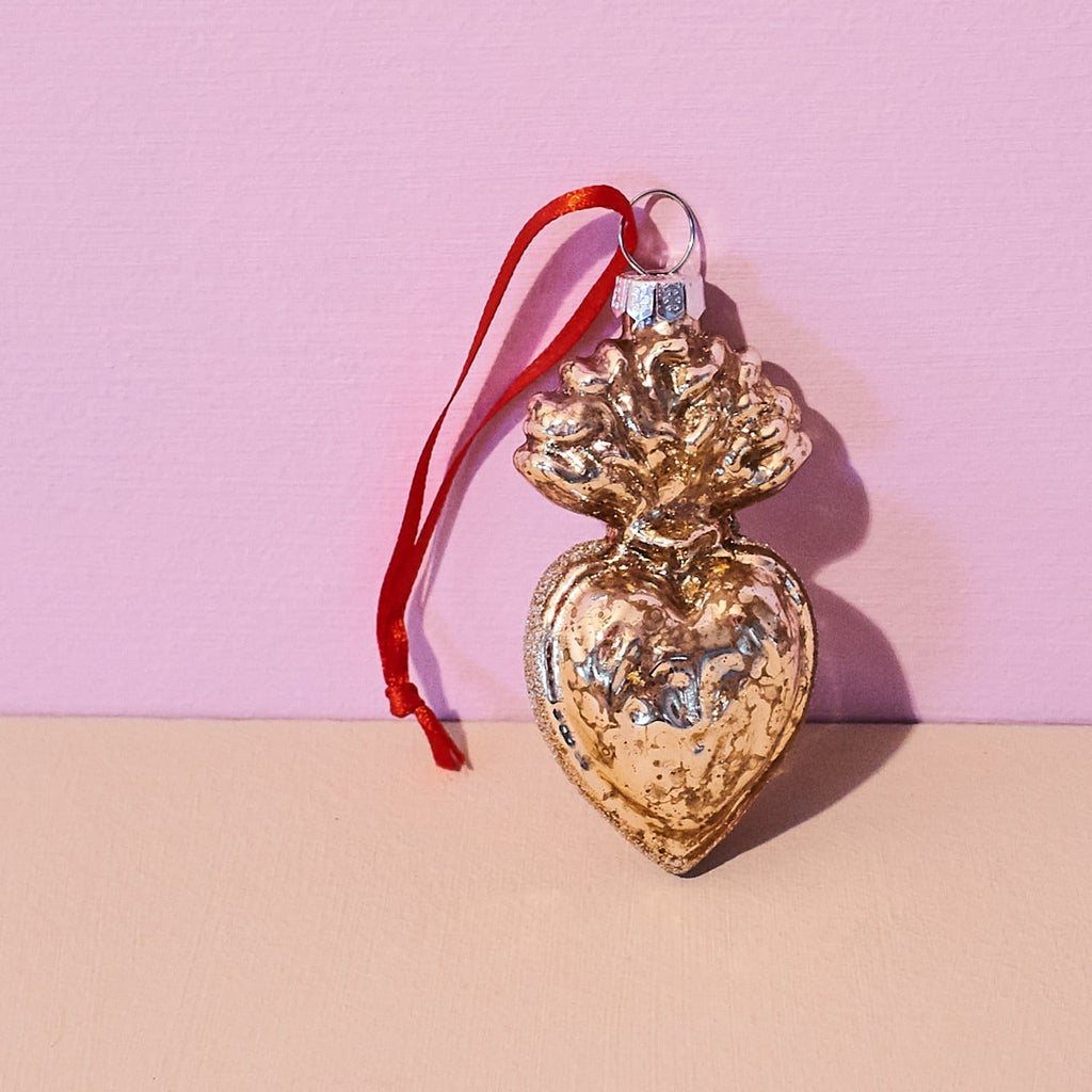Sacred Heart Ornament Gift - Holiday 2020 - Decor - Ornament