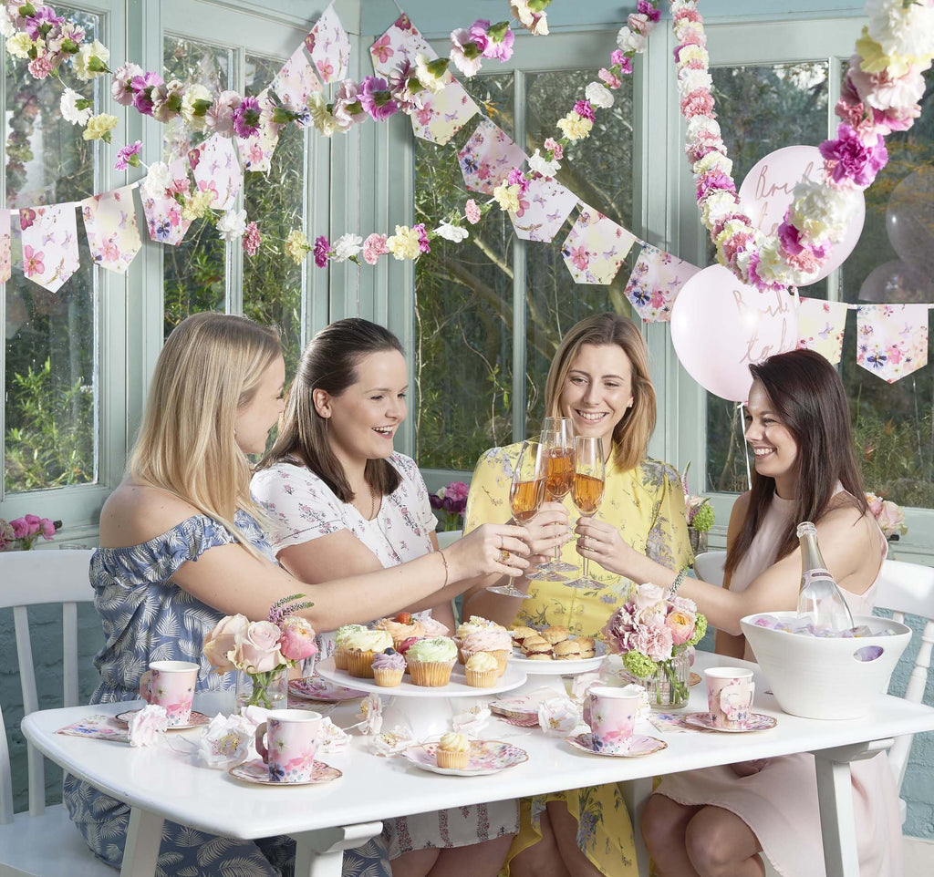 Talking Tables blossom girls floral garland