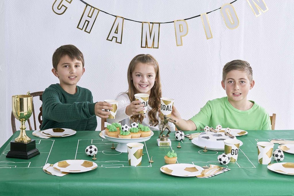 Party Champions Plates - Talking Tables US Public