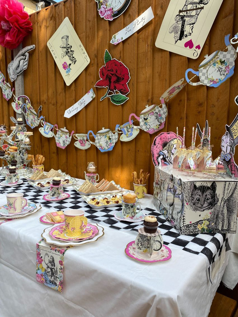 Truly Alice Buffet Treat Stand