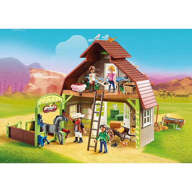 Playmobil Barn with Lucky, Pru & Abigail