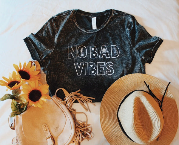 No Bad Vibes - Women's Relaxed Fit  - Black Mineral Wash Tee