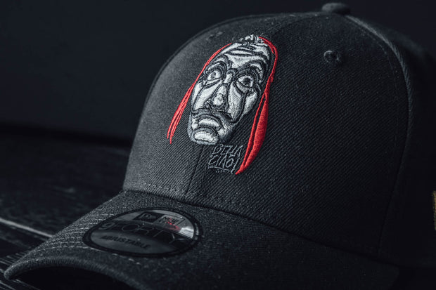 New Era 940 La Casa de Papel Máscara Dalí - [color] - [sku] - Lust México