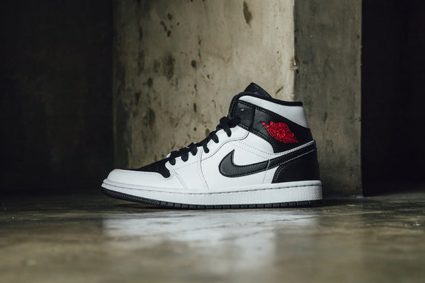 Wmns Air Jordan 1 Mid 'White Black'