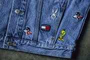 Tommy Jeans x Looney Tunes Denim Jacket - [color] - [sku] - Lust México
