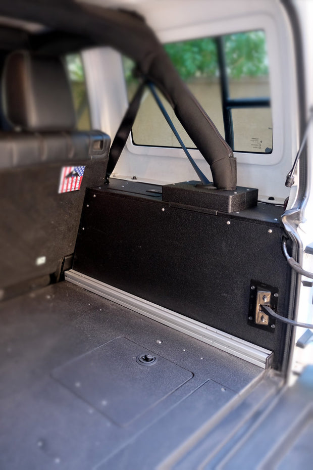 Goose Gear Jeep JKU 4 Door Side Cubbies (2007 - 2018)