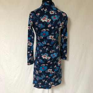 Incredible vintage 70's Daisy shift dress SZ Medium