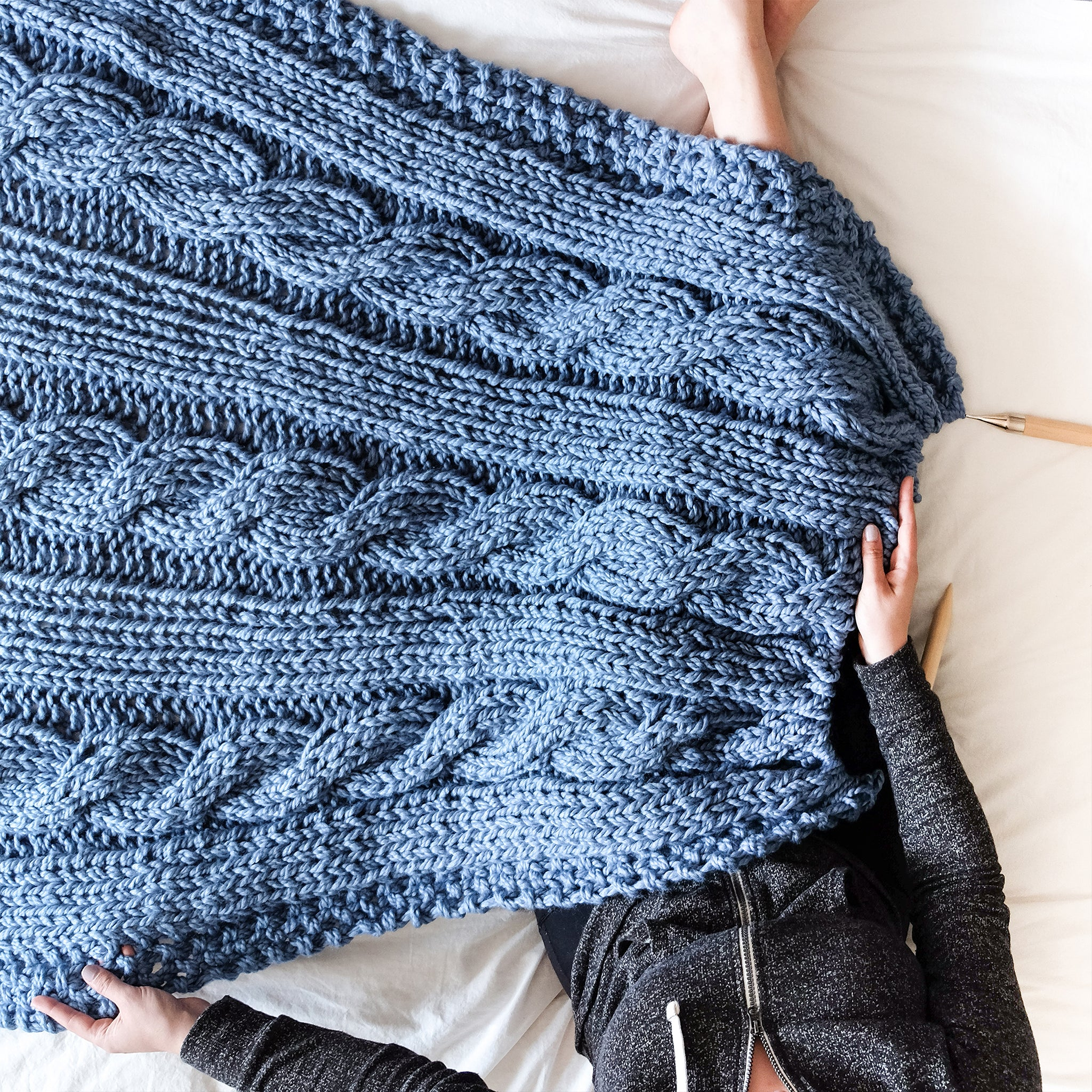 Chunky Cable Blanket Knitting Pattern La Reserve Design