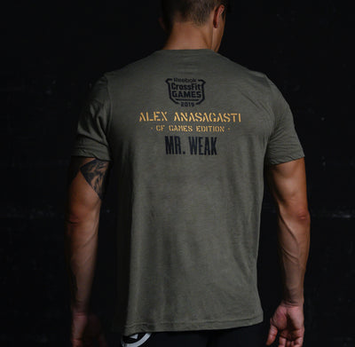 "Camiseta de hombre Edición Alex Anasagasti ""Mr WEAK - CF GAMES EDITION"" color verde militar"