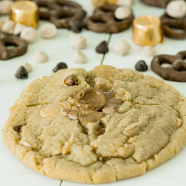 Salted Caramel Crunch Cookies